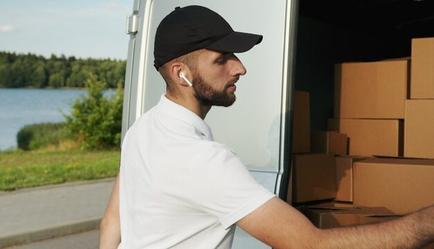 Tips to Avoid Frauds and Scams by Movers and Packers
